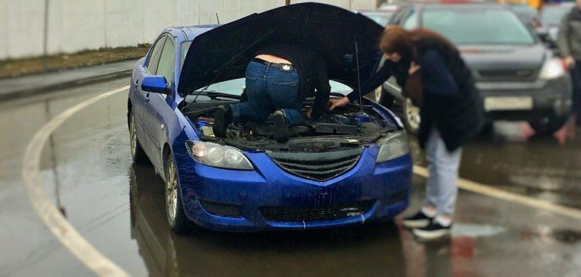Проверка номера двигателя при постановке на учет.