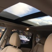 Nissan x-trail 2015 белый бежевый кожаный салон панорамная крыша